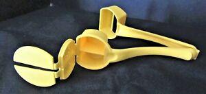 Tupperware #1465 Yellow Butter Hugger w/Salt & Pepper Shakers for Corn