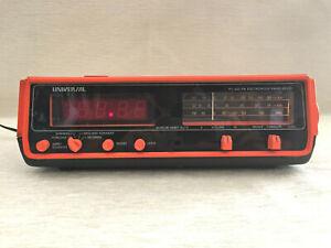 ANCIEN RADIO RÉVEIL ÉLECTRONIQUE CLOCK UNIVERSAL 883-E VINTAGE COLLECTOR ART