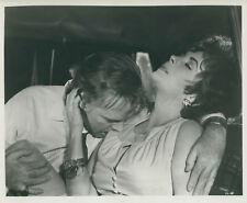 ELIZABETH LIZ TAYLOR RICHARD BURTON THE COMEDIANS 1967 VINTAGE PHOTO ORIGINAL #7