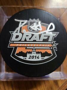 David Pastrnak signed 2014 NHL Draft puck Boston Bruins (Fanatics COA Holo)