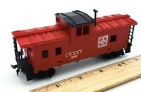 HO Scale TYCO Train ATSF 7240 Red CABOOSE w/ Black Roof