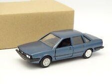 Conrad SB 1/43 - VW Santana GL Bleue