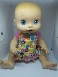 Hasbro 2008 Baby Alive Doll Blue Eyes Blonde Hair drinks & wets