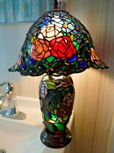 Tiffany Style Colored Glass Chips ROSES Lamp w Lighted Base + Top w Unique Shade