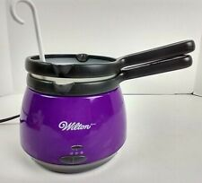 Wilton Deluxe Candy Melts Candy Melting Pot Purple Silicone Insert Ladle