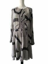 diane von furstenberg White/ Black 100% Silk Long Sleeve Dress Size 12