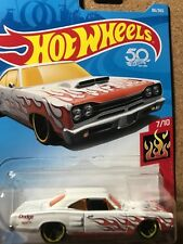 Hot Wheels 69 Dodge Coronet Superbee  white/flames NEW  MOMC