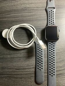 Apple Watch Series 4 Nike+ 44 mm Space Gray Aluminum Case