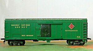 Lionel Box car Reefer Railway Express Agency Rd# REX 0872200 - HO