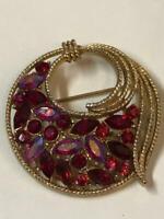 Stunning Vtg Navette Ruby Red Rhinestone Gold-tone brooch pin, Beautiful !!