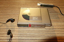 Sony R37 Minidisc Player / Recorder MD   (16) + Displayremote MZR55