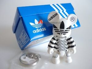 RARE 2004 ADIDAS ORIGINALS RETRO QEE KEY CHAIN COLLECTION TOY2R COLLECTOR FIGURE