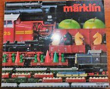 CATALOGUE MARKLIN DE 1982 / 83 F.  LOCOMOTIVES WAGONS Ech HO . EN FRANCAIS