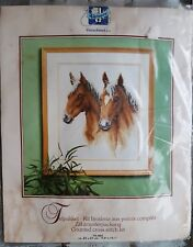 "VERVACO  70.402  kit broderie aux points comptės "" tête de chevaux ""   neuf."