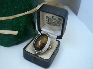 GORGEOUS MODERNIST SOLID STERLING SILVER GREEN AMBER CABOCHON RING SIZE R 8.5