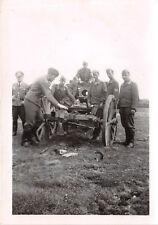 Deutsche Soldaten an franz. - Geschütz Cambrai Frankreich