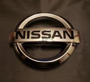 Nissan Xterra Pathfinder Frontier Front Chrome Grille Emblem 2005-2016