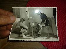 Ancienne Photographie Autour du Magnétophone à Bande ou Tourne Disque Vintage 56
