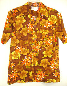 70s Vintage Royal Hawaiian Shirt Metal Medallion Buttons Loop Collar Aloha M