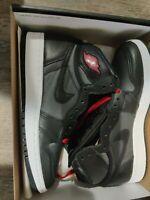 Nike Air Jordan 1 Retro High OG GS Size 5Y 575441 060