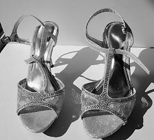 De Blossom Collection Womens Silver Mid Heel Ankle Strap Dress Sandals Size 8