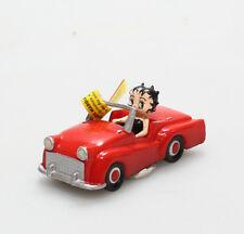 Figurine plastique Betty Boop Betty Boop voiture rouge Plastoy