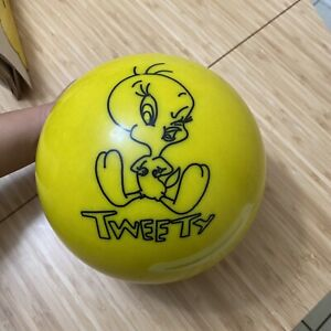Vintage Tweety Bird Bowling Ball Yellow With Black Tweety Bird 2000 Made In USA