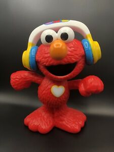 Hasbro - Sesame Street - Let's Dance Elmo. Sings And Dances. Great Condition