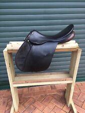 working hunter /jump saddle brown 17 inch