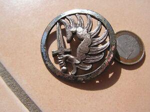 insigne  militaire   regiment   BERET PARACHUTISTE     ( c 08)
