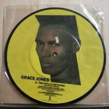 GRACE JONES -THE APPLE STRETCHING (melvin van peebeles) - VIPPLE TO THE BOTTLE