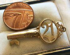 Quality Full Hallmarked Large Vintage 9ct Gold Key ( 21st Birthday Key ) Nice