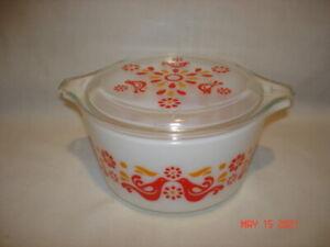 Vintage Pyrex # 473 1 Qt. Casserole Dish w/Lid Friendship Pattern