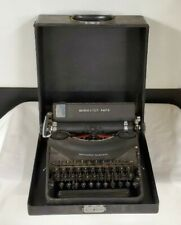 Reminton Rand noiseless portable model 7 vintage typewriter with original case