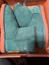 UGG AUSTRALIA Women's Boots Bailey Bow Scallop Aqua Turquoise Size 9