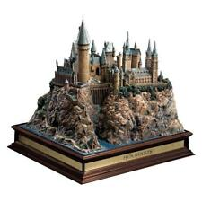 HARRY POTTER Hogwarts Castle Replica with School Noble Collection Statue NN7074