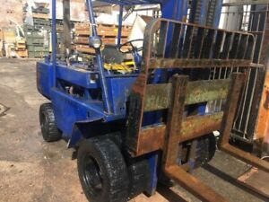 Still Fork Lift Truck  DFG8/3318 HOURS: 1764 ONLY Ex US Army