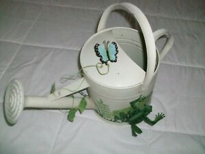 Outdoor decorative garden patio watering can sprinkle head w/ frog dragon fly