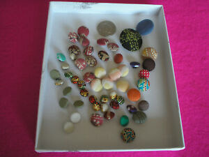 COLLECTABLE VINTAGE COVERED BUTTONS VARIOUS COLOURS JOB LOT