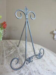 Metal plate, painting display stand easel. Fleur de lis