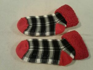 Sherpa lined thermal plaid red, white & black slipper gripper socks size M - NEW