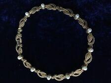 Vintage Boucher Tono Oro y Collar de Perlas Reales, requiere pequeña reparación