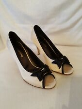 Newport News Black Beige Fabric Upper Leather  Outsole Shoes Heels 7B Bow Detail