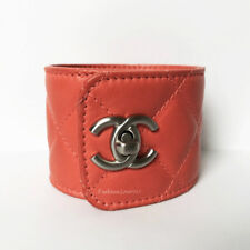 NEW CHANEL CC LOGO CORAL TURN LOCK QUILTED LEATHER CUFF BRACELET 12C