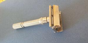 Ancien rasoir mécanique  GILLETTE type papillon + molette de reglage made in USA