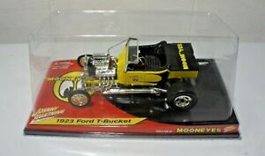 Johnny Lightning Mooneyes 1923 Ford T Bucket 1:18 Scale NEW