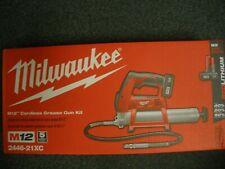 Milwaukee 2446-21XC M12 Li-Ion Kit pistola engrasadora con Batería XC Nuevo