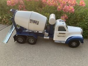 Smith Miller Blue Diamond Cement Truck- 150 Made: B Model Mack From Actor Estate