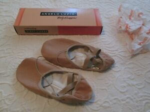 Body Wrappers Angelo Luzio Wendy 246A Ballet Slippers Shoes Peach  3.5 M