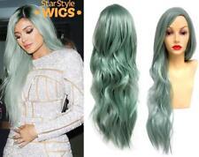 Deluxe Kylie Jenner Lunga Ondulata Verde Pastello Resistente Al Calore Parrucca Alla Moda Celebrità